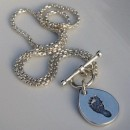Toggle Chain with Small Pendant